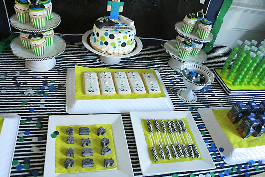 wii controller cookies, video game birthday party, vintage video game birthday