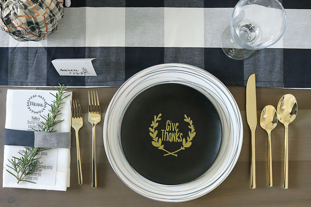 simple thanksgiving table setting decorations plaid gold give thanks