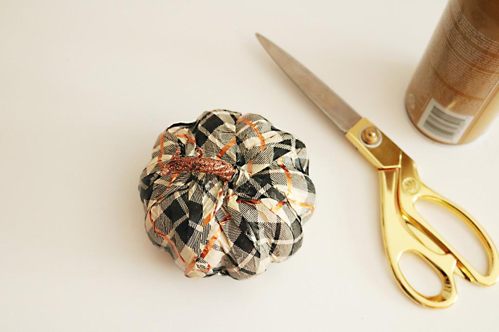 pumpkin-craft-decorating-tissue-paper