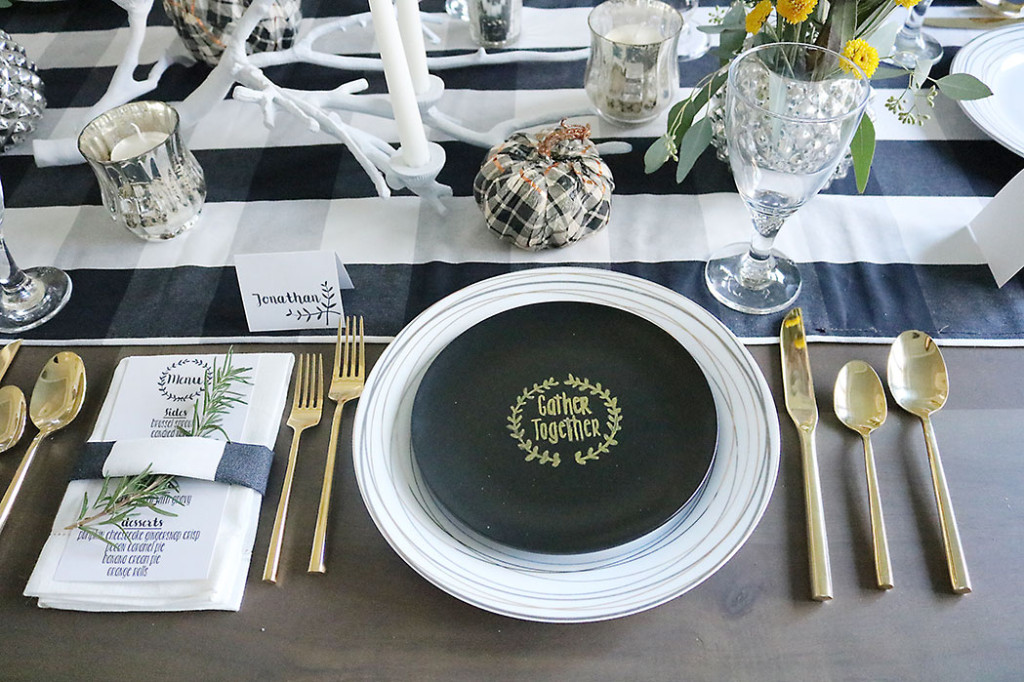simple thanksgiving table setting decorations plaid and gold