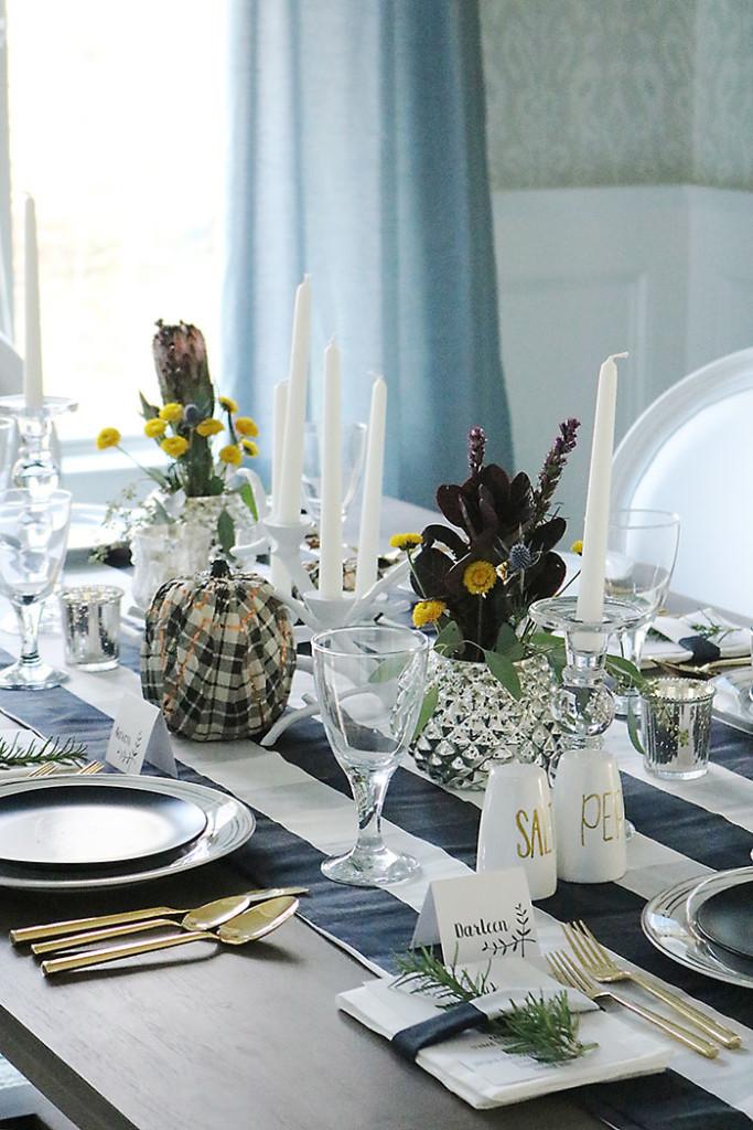 thanksgiving-table-setting-idea-plaid-black-and-white