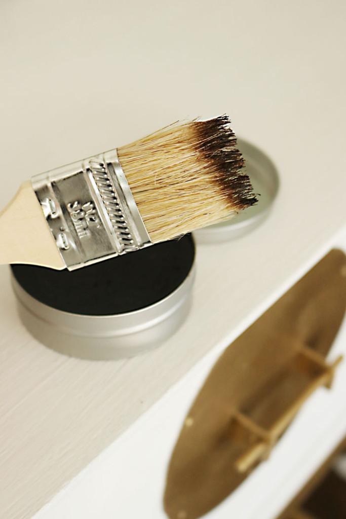 amy-howard-dark-antique-wax-on-brush