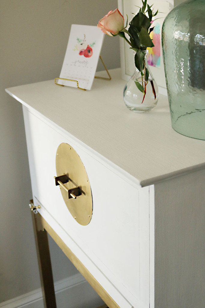 how-to-paint-furniture-using-one-step-paint