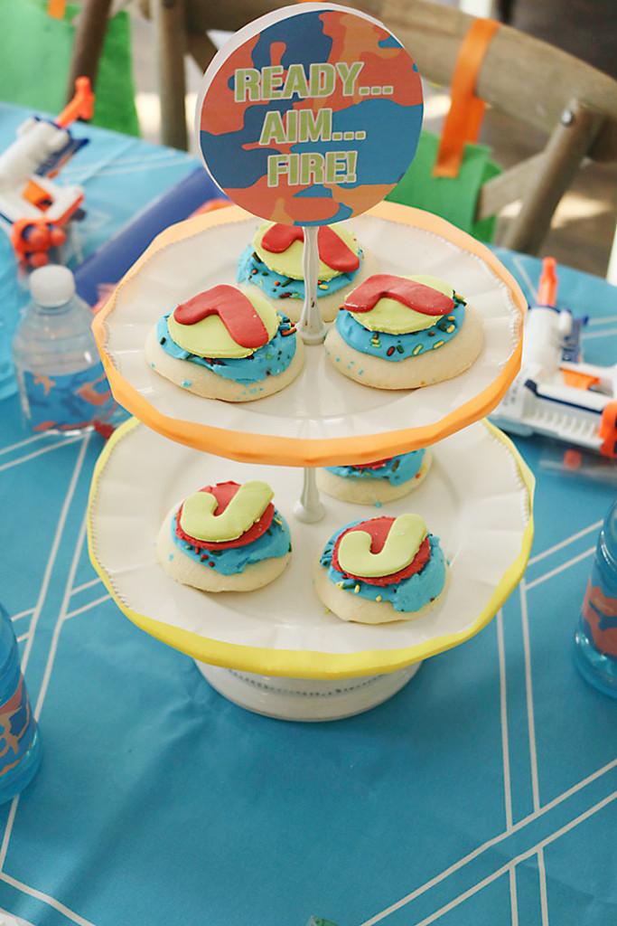 nerf-gun-birthday-party-cookie-stand