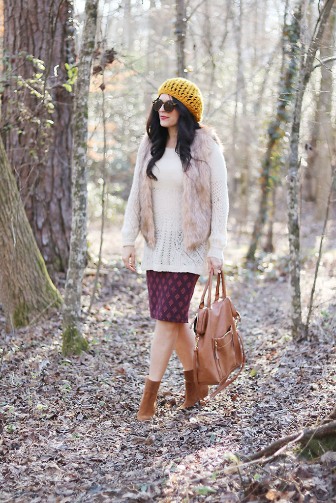 boho-winter-fur-outfit-with-hat