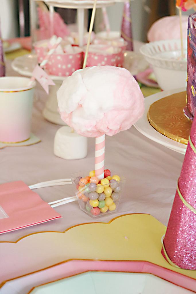 unicorn-birthday-party-cotton-candy-on-stick