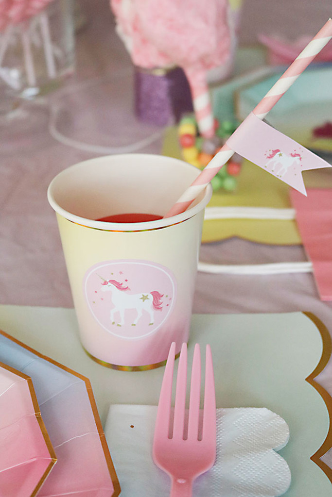 unicorn-birthday-party-cup-with-straw-flags