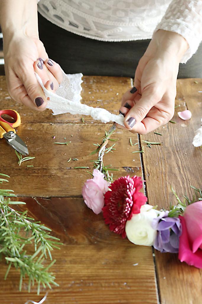DIY-flower-crown-adding-ribbon