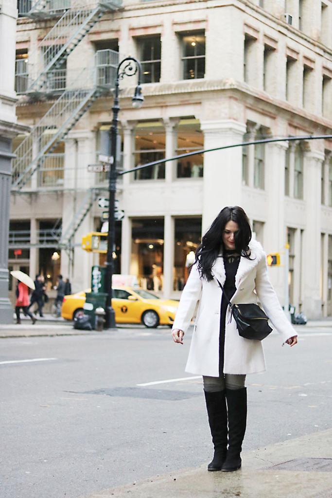 new-york-fashion-winter-outfits, new york city winter fashion street style, white coats, soho styling