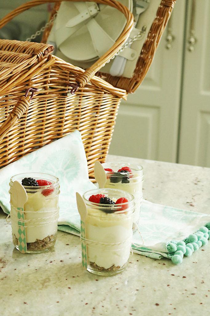 healthy-lemon-crude-cheesecake-picnic, healthy cheesecake, no bake cheesecake, cheesecake in a jar, paleo lemon curd