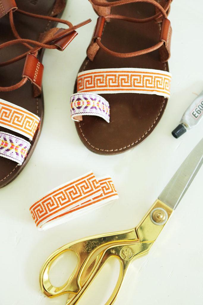DIY-pom-pom-gladiator-sandals-with-ribbon