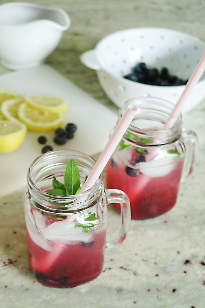 healthy-blueberry-lemonade-without-words