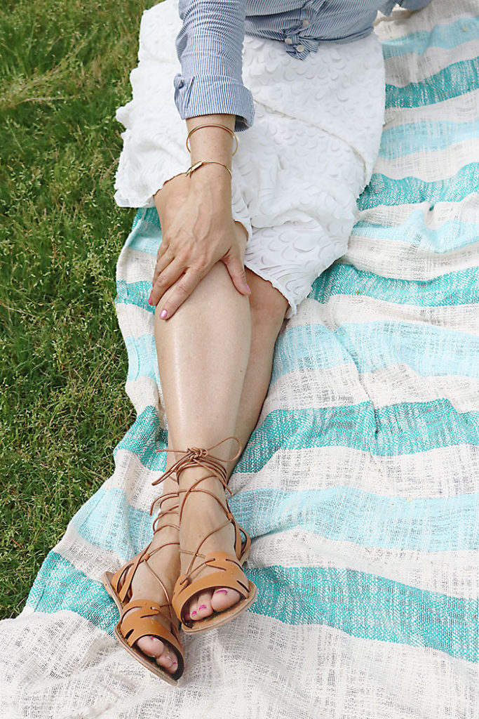 mothers-day-picnic-with-sandals