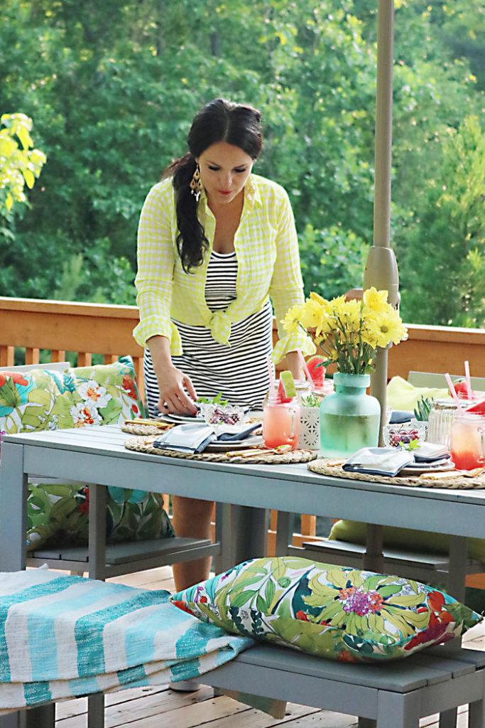 setting-the-patio-table