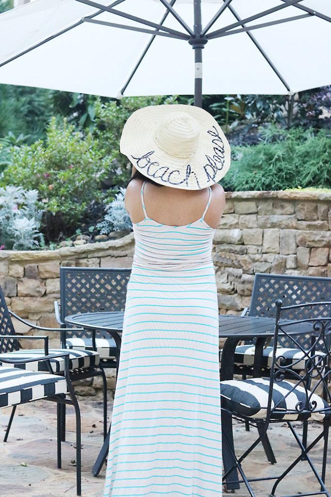 diy-word-script-straw-hat-backyard-look