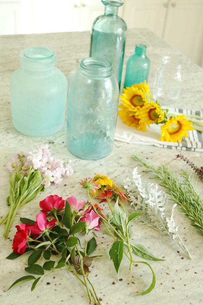 5-minute-flower-arrangment-jars
