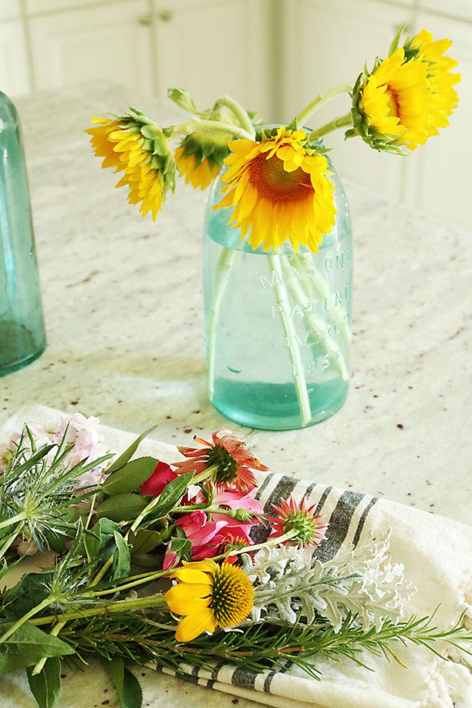 5-minute-flower-arrangment-large-flower