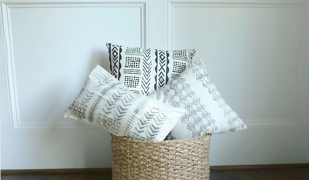 Diy Mud Cloth Pillow Using Freezer Paper Darling Darleen