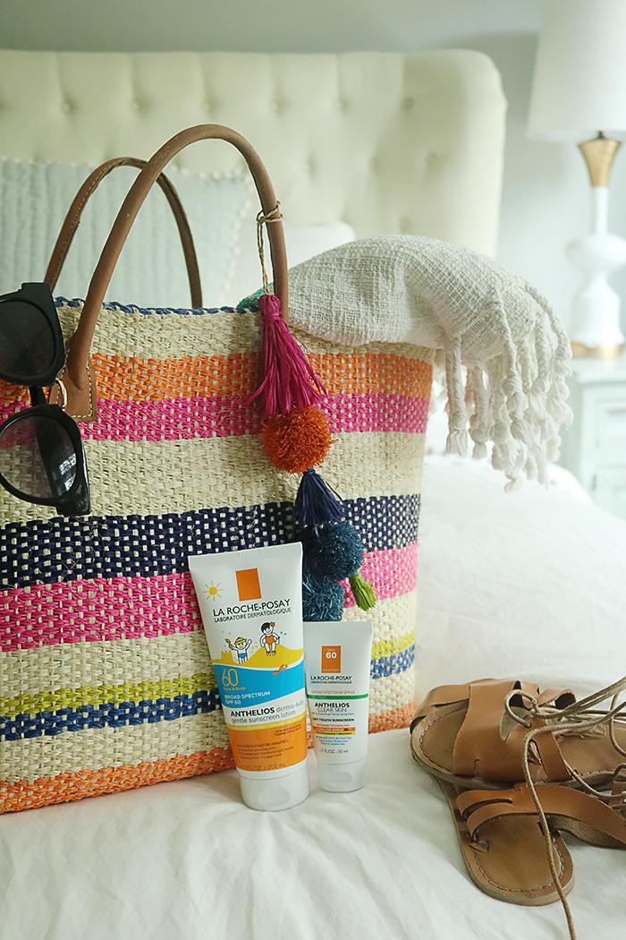 10 Beach Bag Essentials || Darling Darleen #beachbagessentials #beachbag #darlingdarleen #darleenmeier