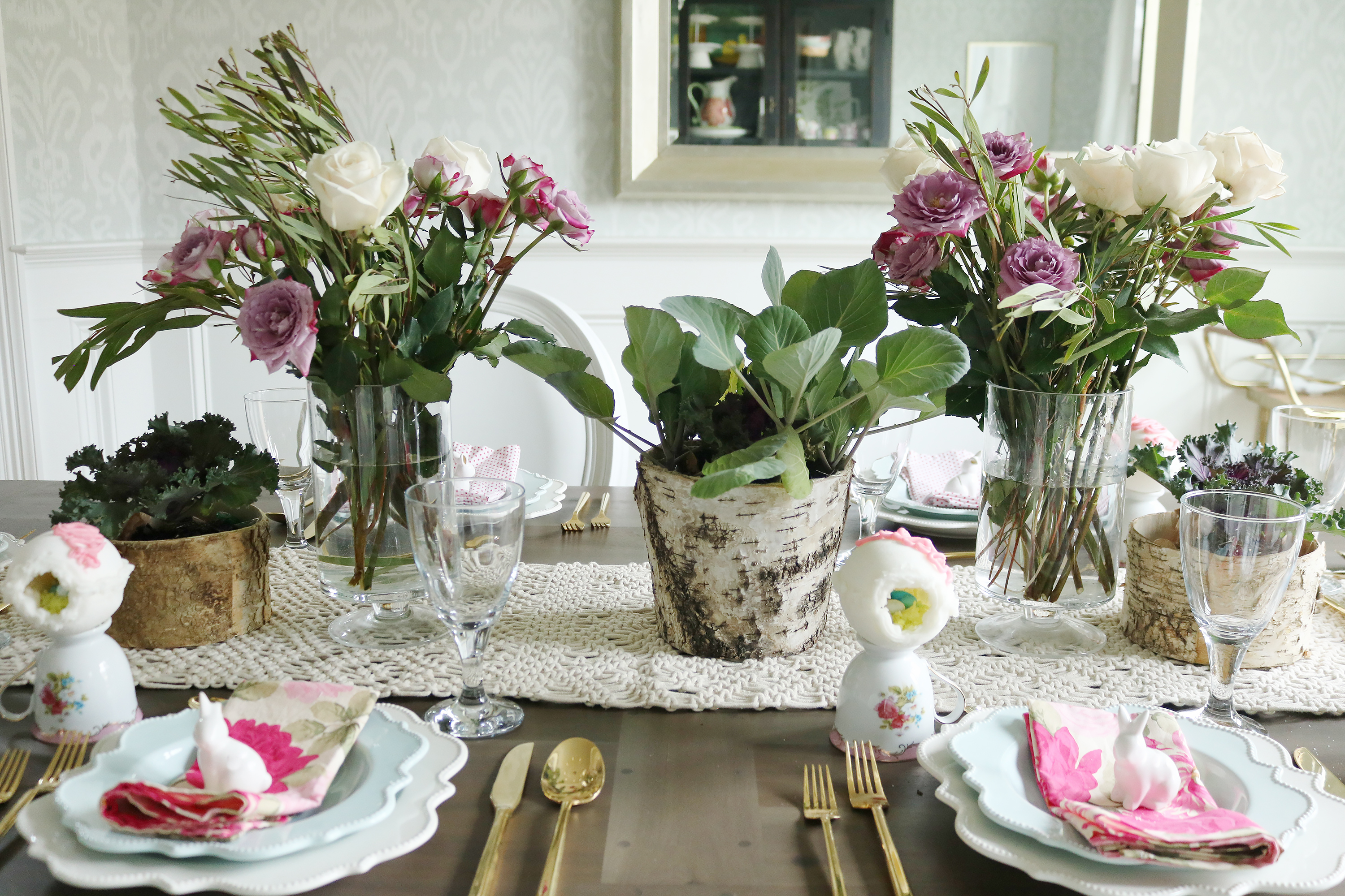 Garden-Inspired Easter Table with Sugar Easter Eggs || Darling Darleen