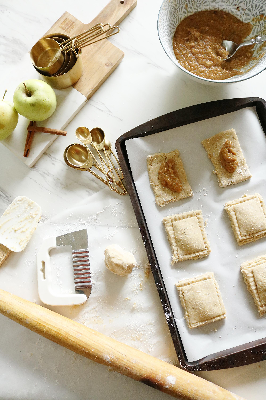Homemade Gluten-free Apple Pop Tart that your Kids will love || Darling Darleen
