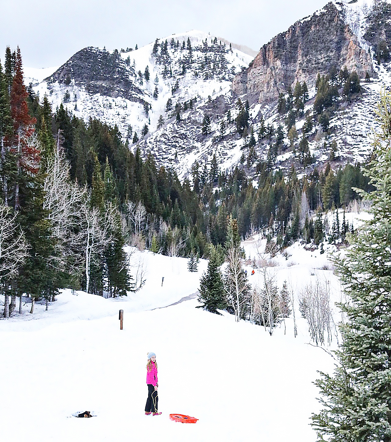 Our Utah Winter Travel Guide is out! Sharing what to Pack and where to Go for a Utah Winter Adventure. Our top 5 winter adventures! Sledding Donut Falls Utah  || Darling Darleen Top CT Lifestyle Blogger