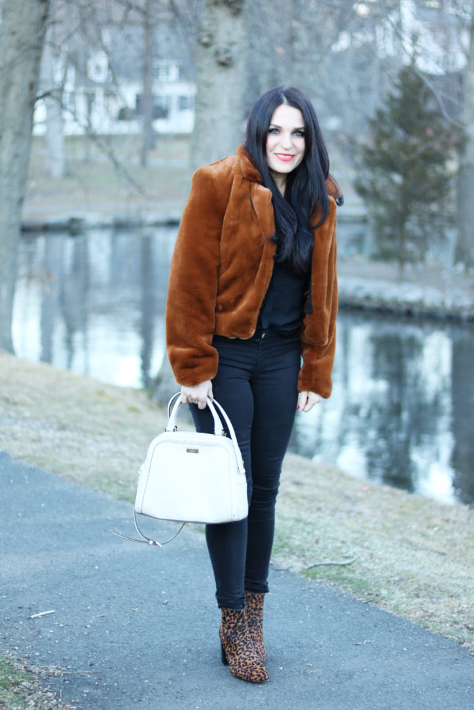These are the best faux-fur coats that I am loving right now especially with this cold cold winter weather.  It makes it for a great winter outfit.  || Darling Darleen