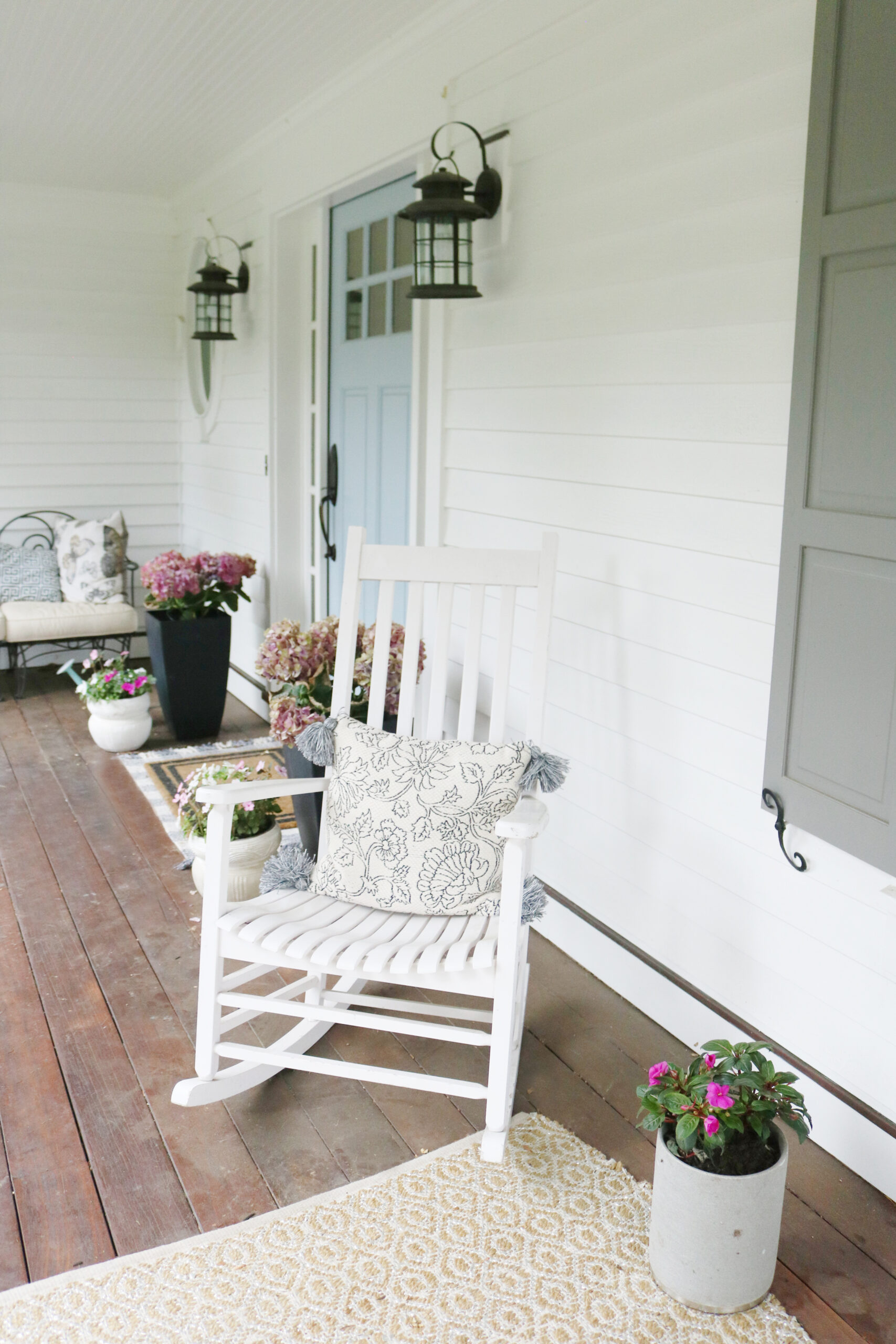 Add flowering and greenery planters to your front door for instant home charm!  || Darling Darleen Top Lifestyle Blogger in Connecticut #darlingdarleen flower pots
