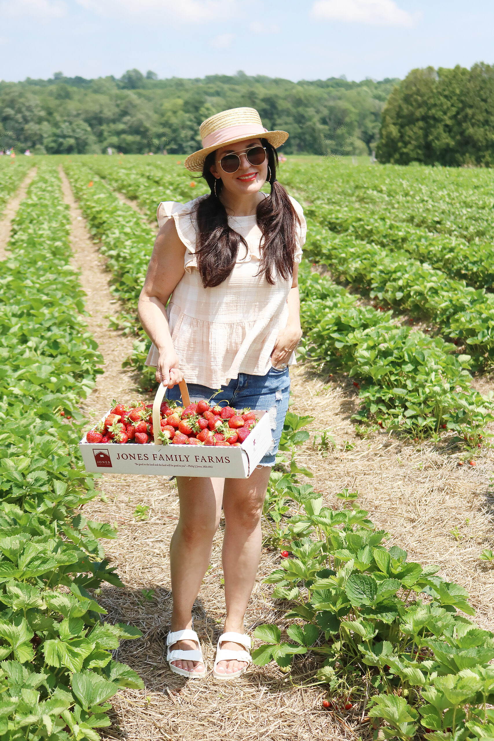 What to wear when picking strawberries? Make sure to wear a hat, flowy clothes to stay cool and easily bend down and open toe sandals that are okay to get dirty and wet    Darleen Meier Top Lifestyle CT Blogger #strawberryfieldsforever #darlingdarleen