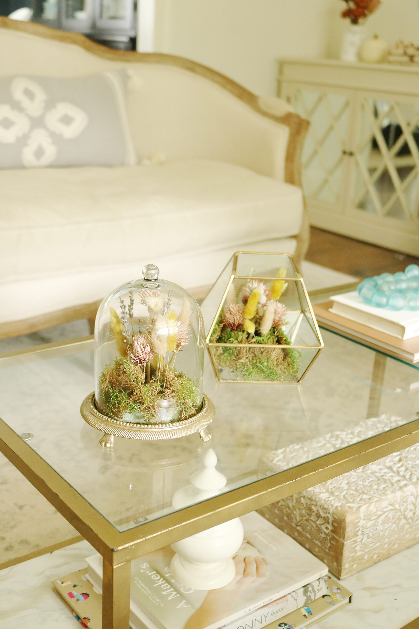 Easy Fall decorations with Dried flower terrariums || Darling Darleen Top CT Lifestyle Blogger #falldecor #falldecorations #ctlifestyleblogger #darlingdarleen
