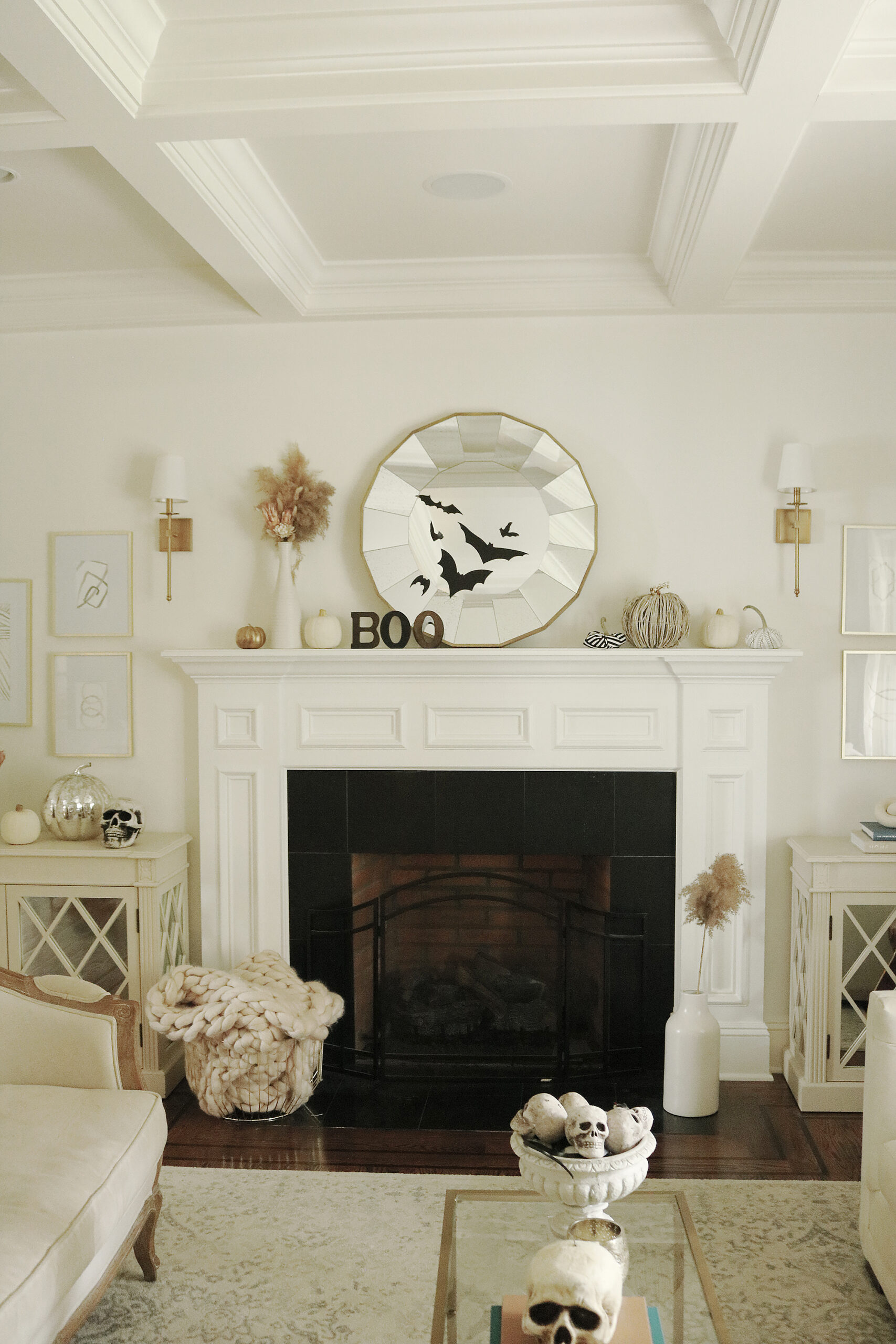 Our not-so-spooky Halloween Home Decorations with spiders and skeletons--simple and easy spooky fun || Darling Darleen Top CT Lifestyle Blogger #darlingdarleen #halloweendecorations