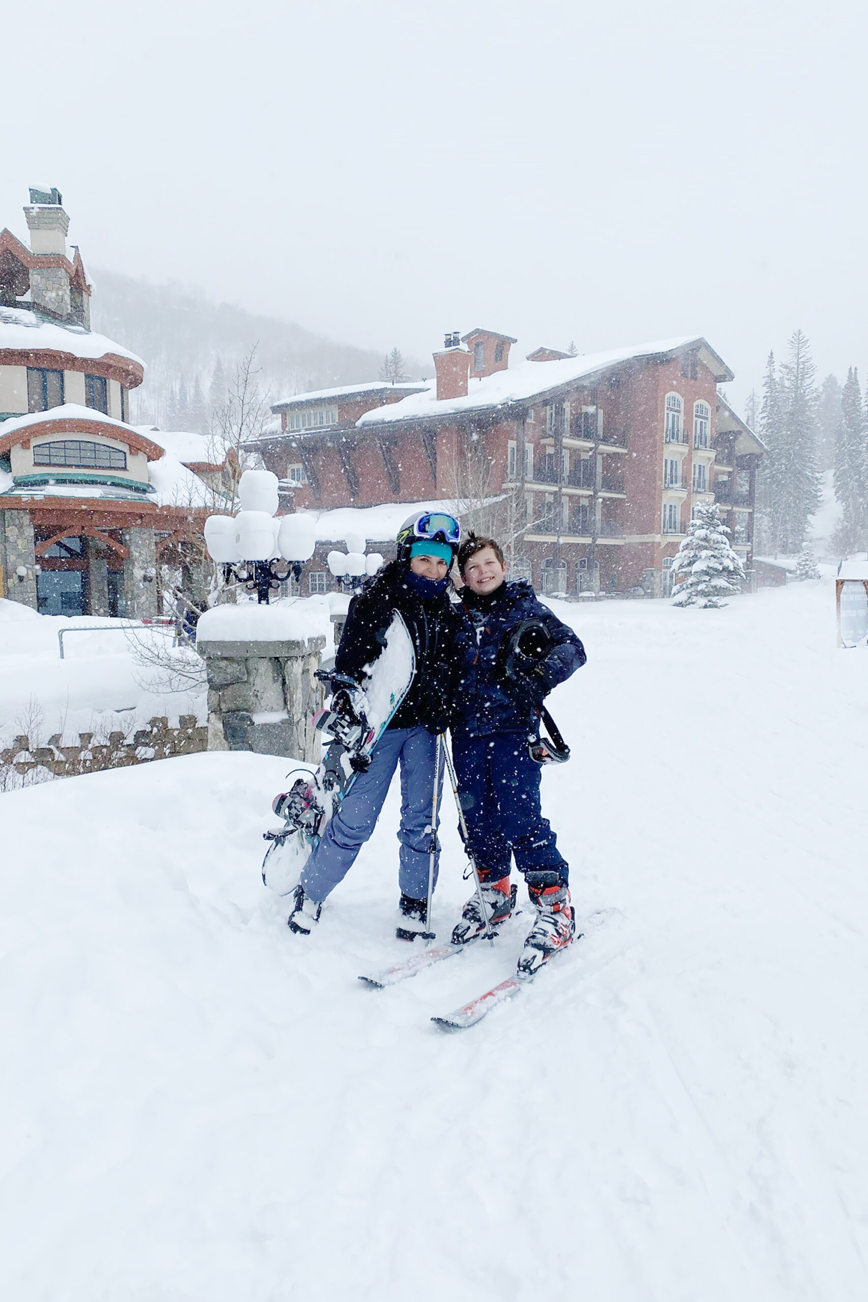 Our Utah Winter Travel Guide is out! Sharing what to Pack and where to Go for a Utah Winter Adventure. Our top 5 winter adventures! Skiing Solitude Mountain Resort || Darling Darleen Top CT Lifestyle Blogger