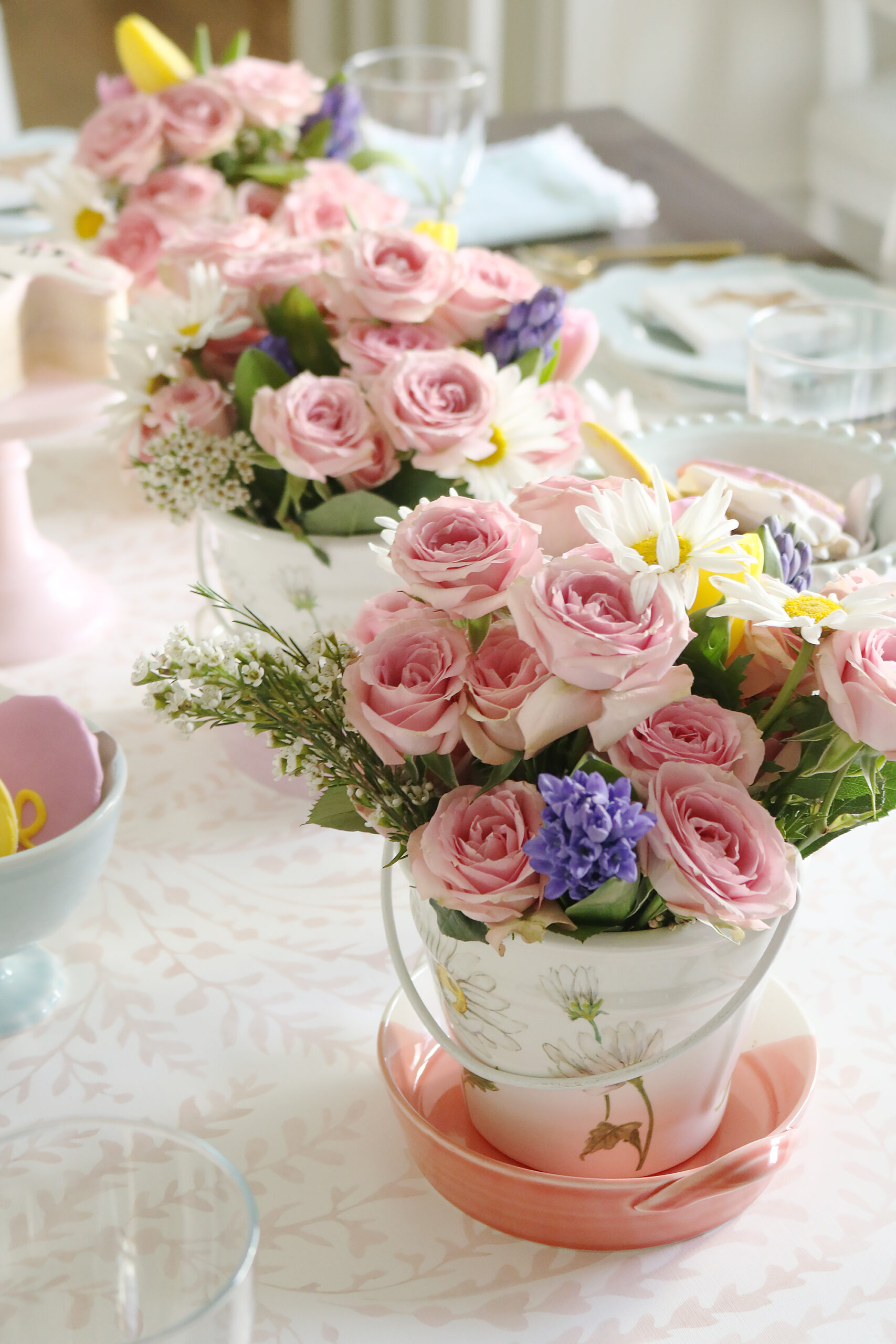 Playful Flowers and Cute Bunnies make a Happy Spring Easter Table, pink roses and daisy, little bunnies, easter table space ideas || Darling Darleen Top CT Lifestyle Blogger #darlingdarleen #eastertable