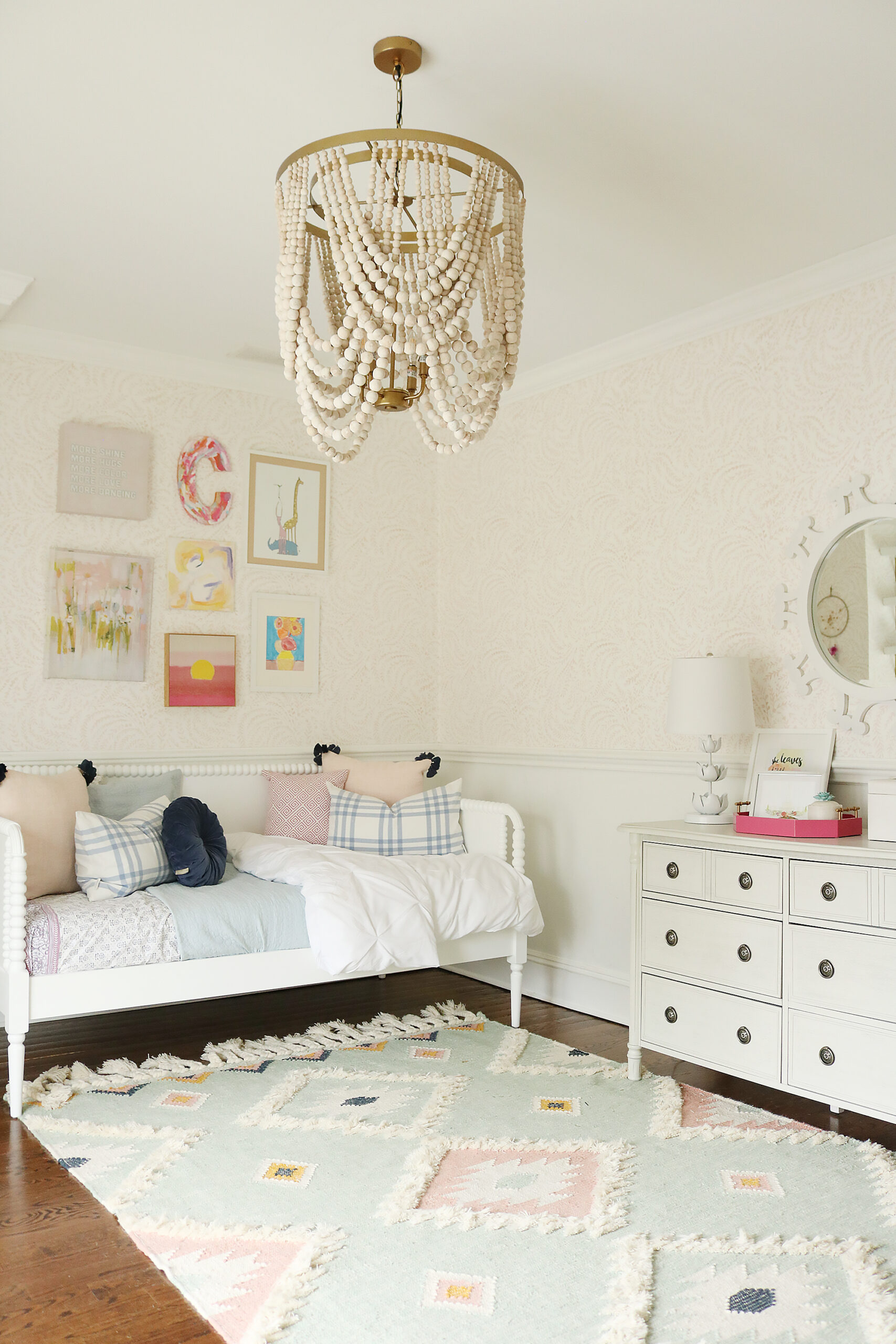Light Blue Pink Girls Bedroom that mixes textures and art pieces.  It's playful and charming girl's bedroom.  Before and after bedroom, pastel colors girl bedroom, tween girl bedroom || Darling Darleen Top CT Lifestyle Blogger #girlsbedroom
