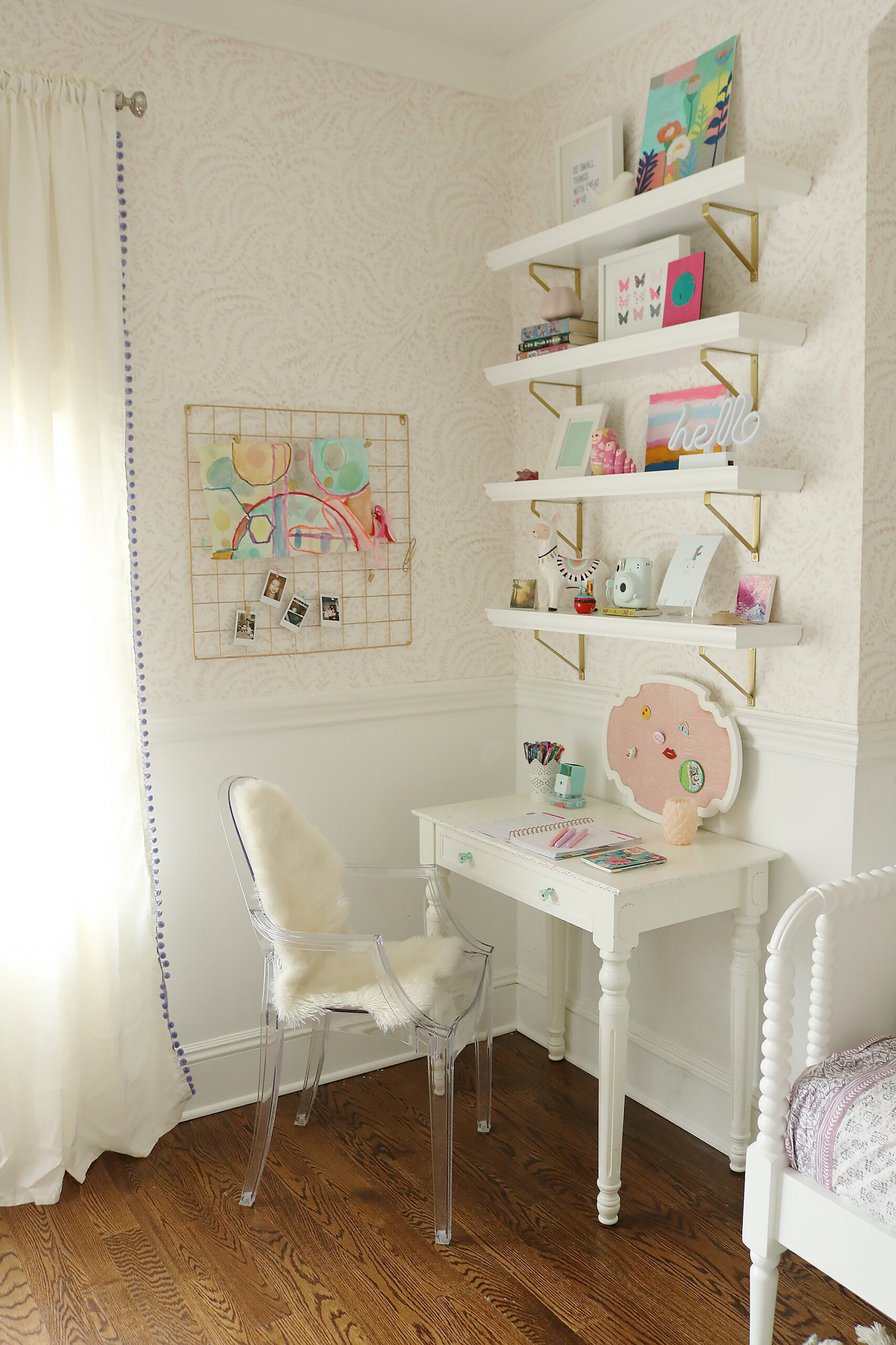 Light Blue Pink Girls Bedroom that mixes textures and art pieces.  It's playful and charming girl's bedroom.  Before and after bedroom, pastel colors girl bedroom, tween girl bedroom, Serena and lily priano wallpaper || Darling Darleen Top CT Lifestyle Blogger #girlsbedroom