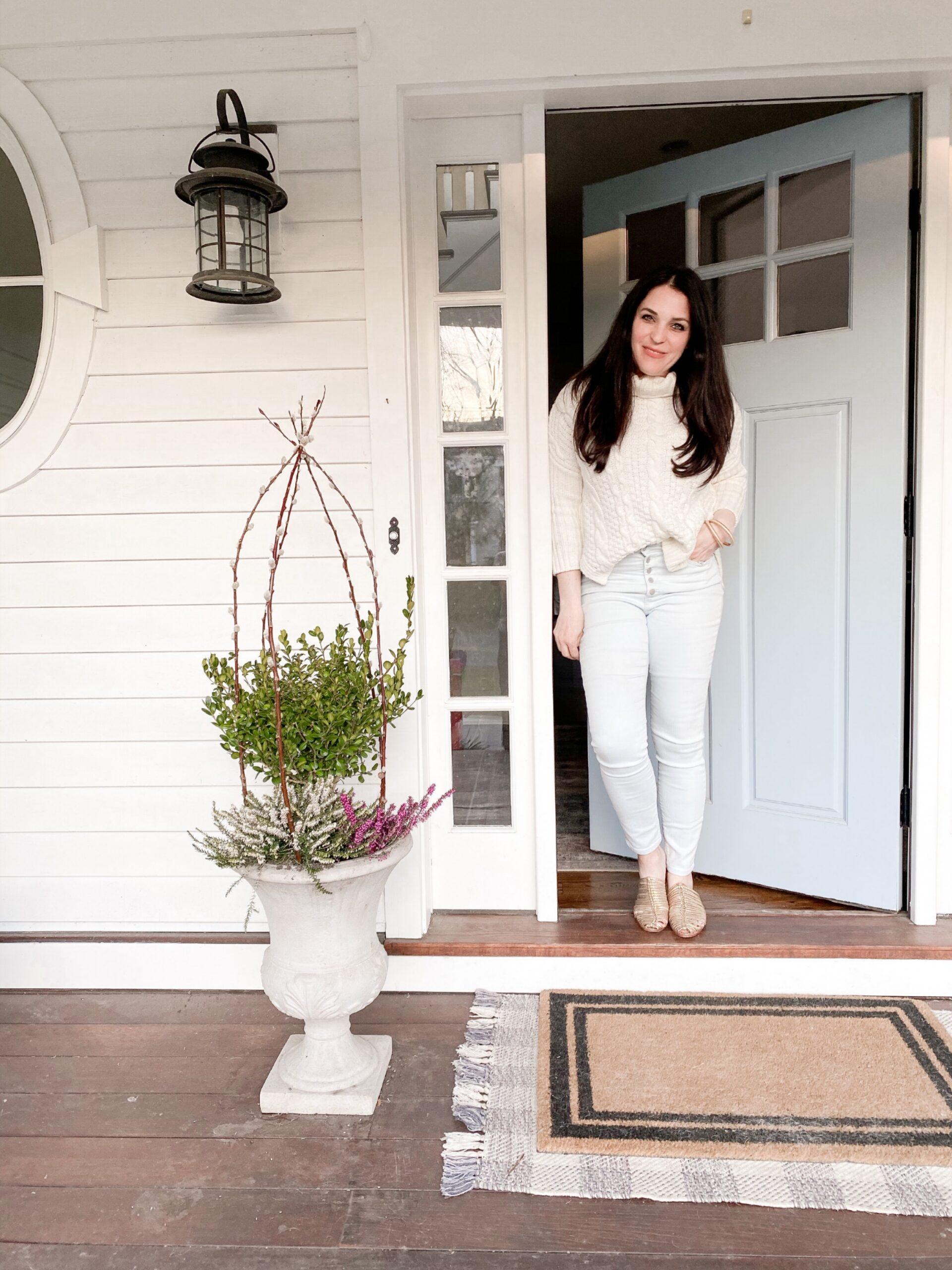 Simple Spring Planter to Last through Summer    Darling Darleen Top Lifestyle CT Blogger #springplanter