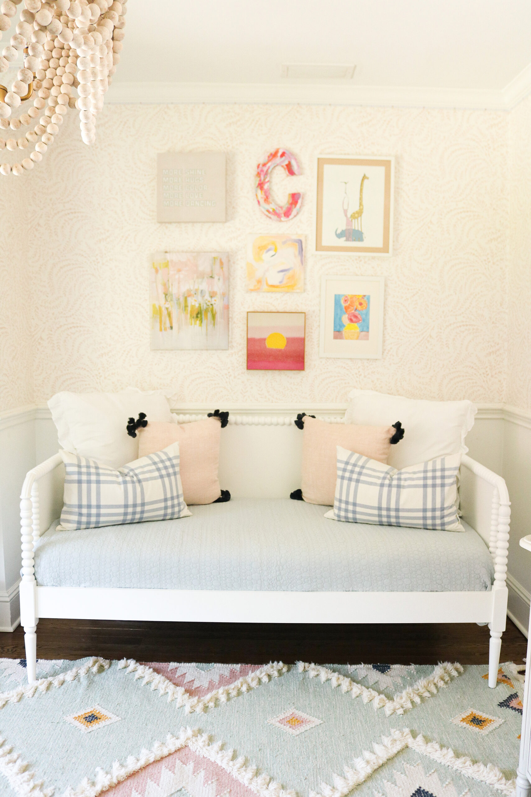 Three Ways to Make a Daybed that is inviting to sit on and cozy to fall asleep on.  Requires a lot of cute throw pillows of varying size.  || Darling Darleen Top Lifestyle CT Blogger #darlingdarleen #daybed